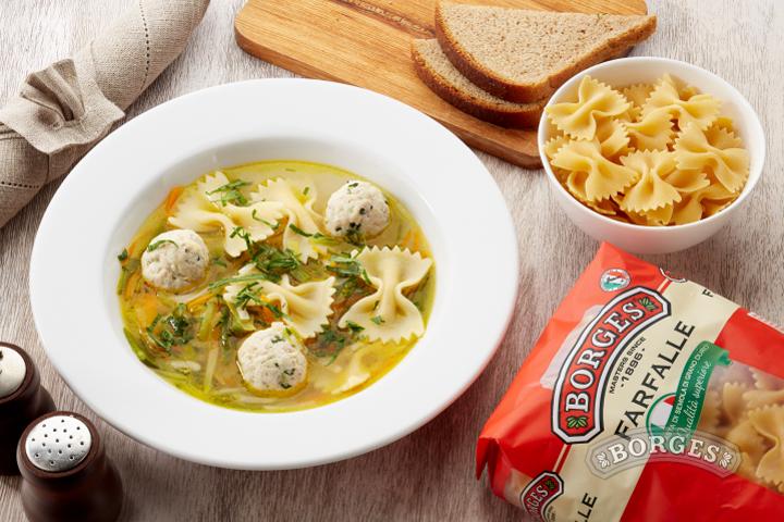 Ваши средиземноморские рецепты Куриный супчик с фарфалле и фрикадельками