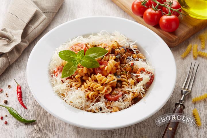 Ваши средиземноморские рецепты Фузилли по-сицилийски с анчоусами и баклажанами